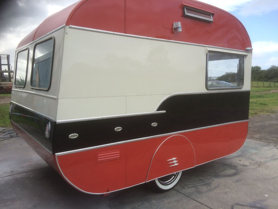 Retro Custom Caravans New Zealand - maybellene (3)
